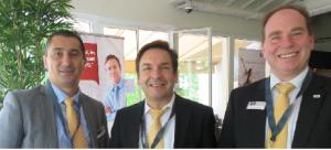De gauche à droite: Frédéric Dupré, directeur des ventes France, au centre K. H. Mosbach, CEO, à droite, M. Himmelmann, Country Manager.