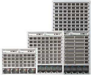 La boîte blanche est un commutateur Ethernet bare metal embarquant un OS réseau pré-chargé, comme c'est le cas des modèles Arista 7250.
