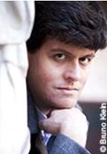 Philosophe agrégé ayant fait l'Ecole Normale Supérieure, Gaspard Koenig dirige le think-tank Génération Libre, qu'il a fondé en 2013. Il a travaillé précédemment au cabinet de Christine Lagarde à Bercy, et à la BERD à Londres. Il est auteur de romans et d'essais, et chroniqueur dans Les Echos et L'Opinion. Gaspard Koenig a fait paraître récemment « Le révolutionnaire, l'expert et le geek » chez Plon.
