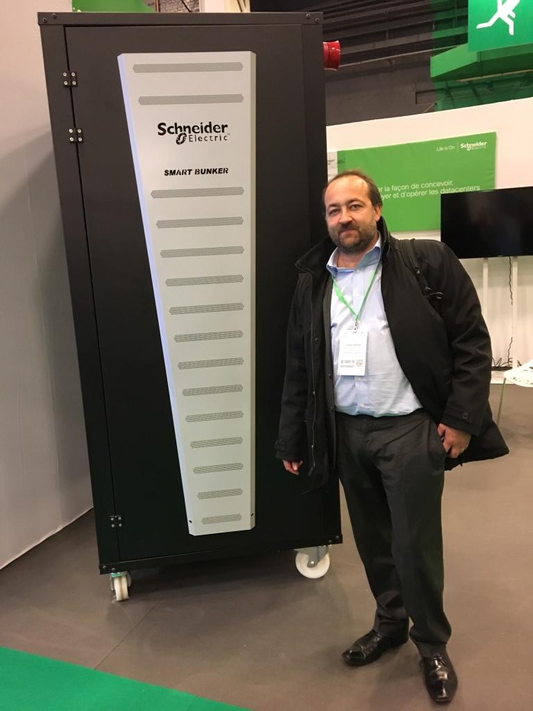 Schneider-Micro-Data-Center - Damien Giroud