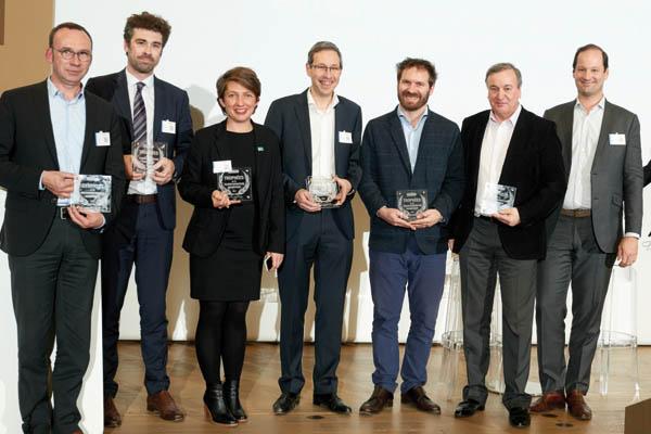 L'ensemble des récompensés par un Prix de l'Innovation : Nantes Métropole Habitat, les 3 divisions de la SNCF : SNCF Réseau, Gares et connexion et Voyage-SNCF Technologies, SEB